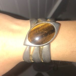 Jewelry - Vintage brass golden tigers eye cuff